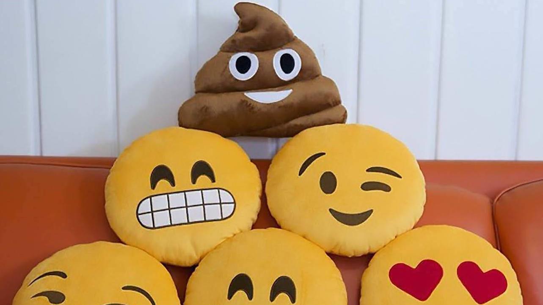 Teen Maker Monday: Emoji Pillows